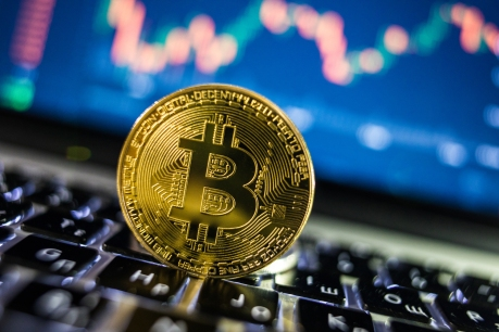 Coinbase makes seismic stock exchange debut, valued at $86B